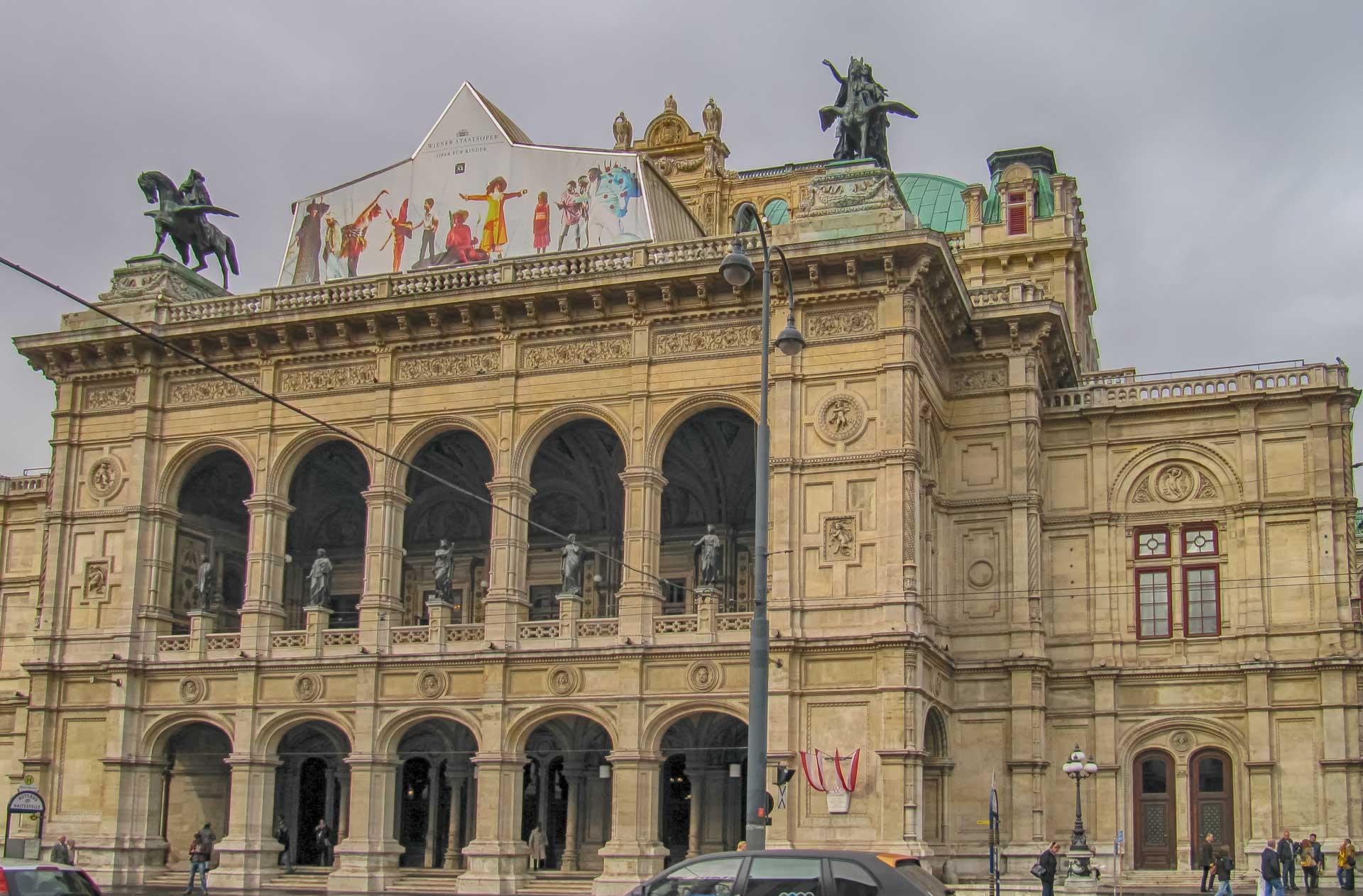 vienna state opera - Must See Wien